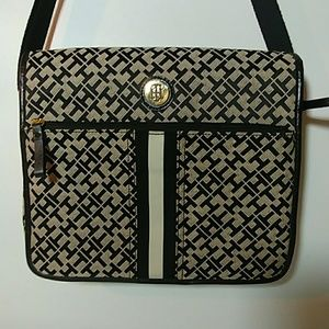 ❤☀Really Neat..TOMMY HILFIGER ipad messenger Bag❤